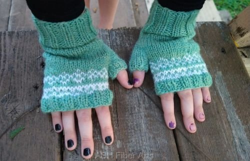 Homecoming Fingerless Mitts - on child's hands