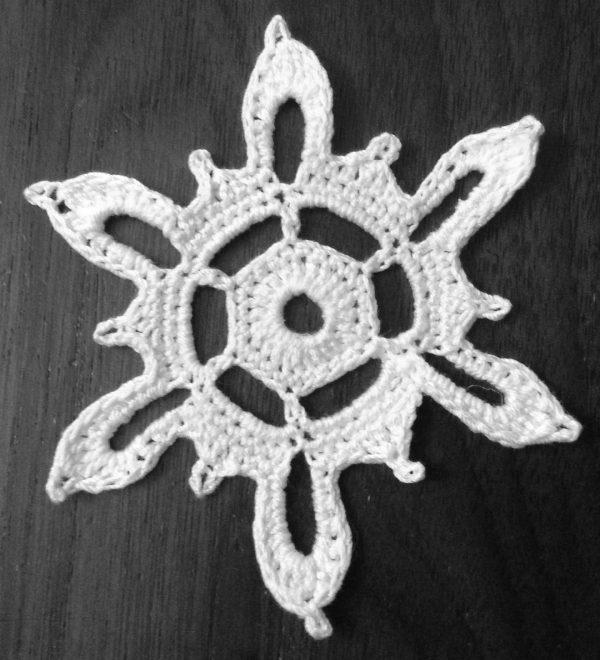 Snowflakes in June crochet pattern